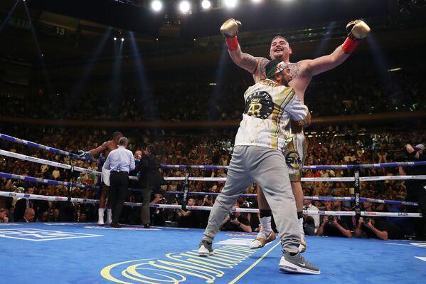 Andy Ruiz, triple campeón de peso pesado, tras la pelea con Anthony Joshua en Nueva York - Sputnik Mundo