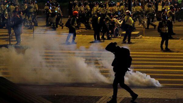 Антиправительственная демонстрация в канун Рождества в Гонконге, Китай - Sputnik Mundo