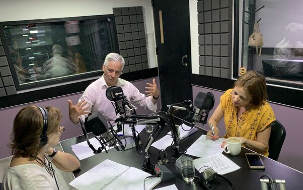 Álvaro García Linera, Telma Luzzani y Mercedes López San Miguel - Sputnik Mundo