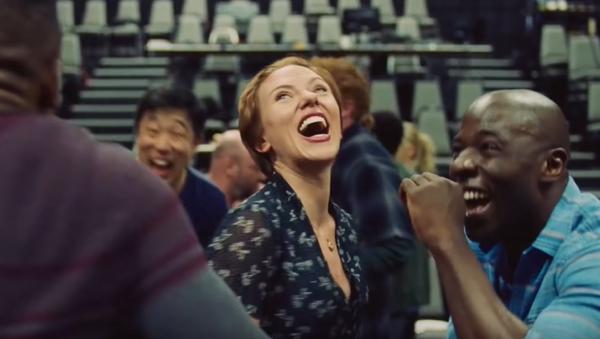 Scarlett Johansson en la película 'Historia de un matrimonio' - Sputnik Mundo