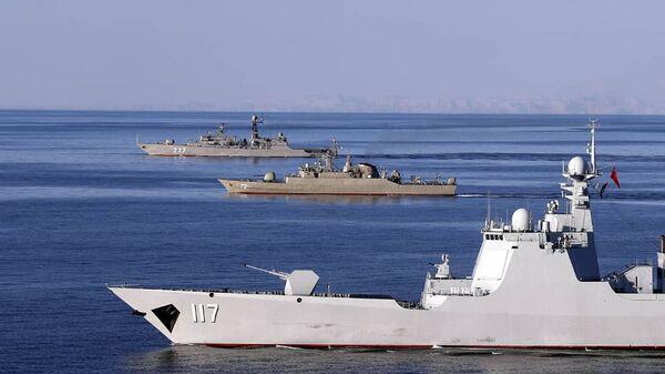 Maniobras militares conjuntas de Irán, Rusia y China en el océano Índico y el golfo de Omán - Sputnik Mundo
