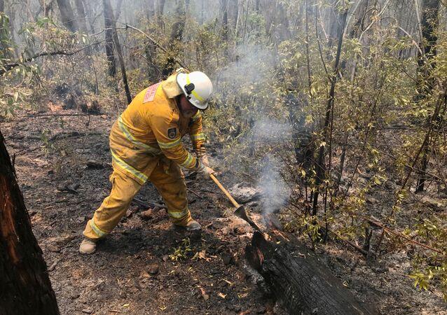 Lucha contra los incendios forestales en Australia