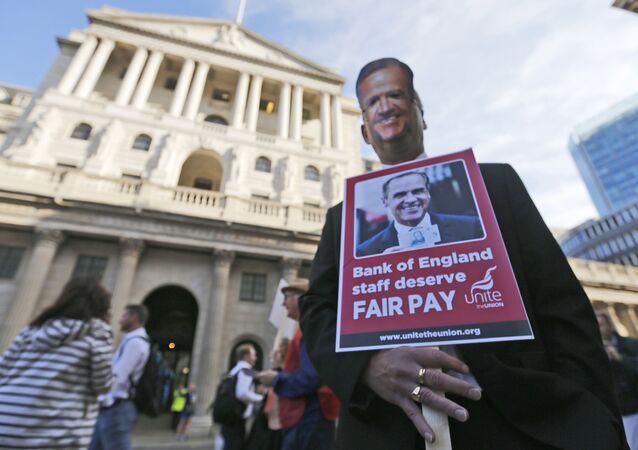Protesta en frente del Banco de Inglaterra en Londres (archivo)