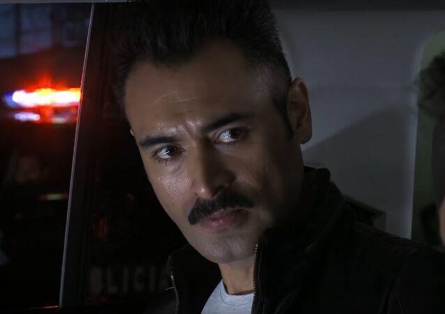 Sebastián Ferrat, interpretando el papel de El Marcado en El Señor de los Cielos