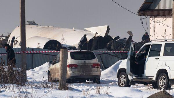 El lugar del siniestro del avión Fokker 100 en Kazajistán - Sputnik Mundo