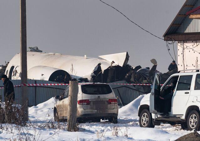 El lugar del siniestro del avión Fokker 100 en Kazajistán