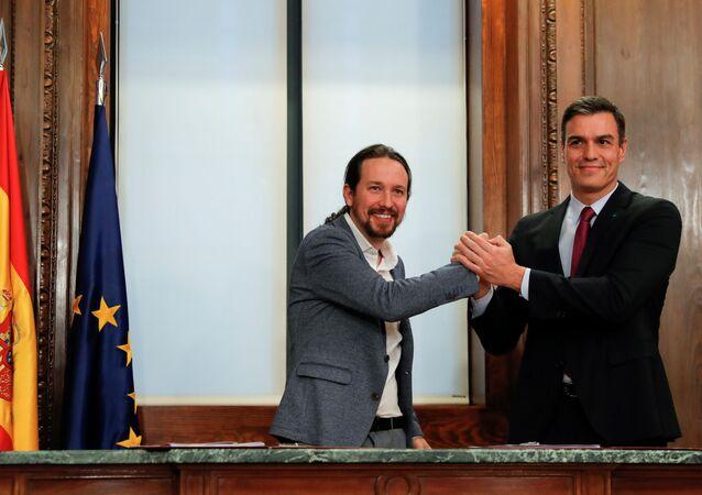 El líder de PSOE, Pedro Sánchez, y el líder de UP, Pablo Iglesias