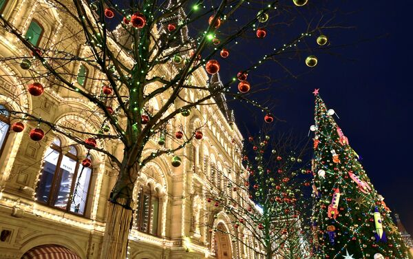La Plaza Roja de Moscú durante las festividades de fin de año 2019-2020 - Sputnik Mundo