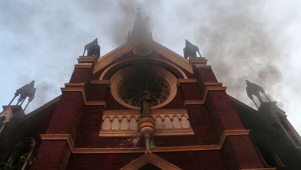 Incendio en la iglesia San Francisco de Borja - Sputnik Mundo