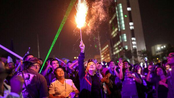Protesta contra el gobierno de Chile durante Año nuevo - Sputnik Mundo