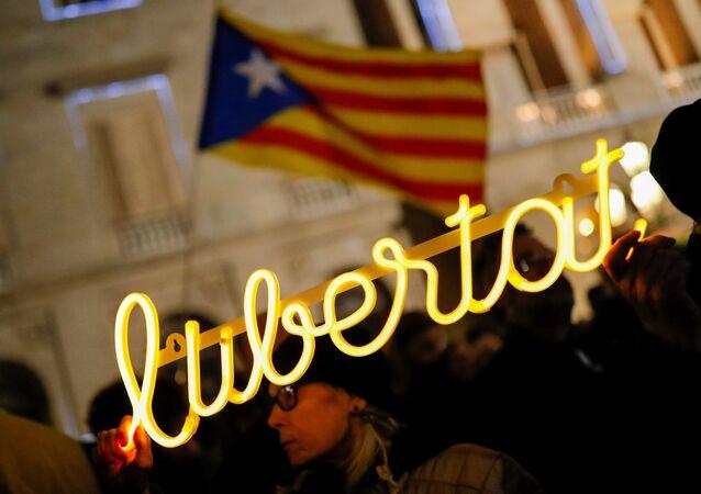 Los seguidores del presidente de Cataluña, Quim Torra, en las calles de Barcelona