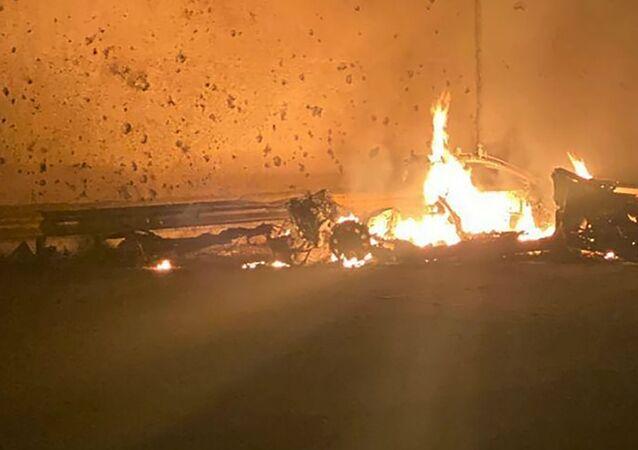 Restos del auto que transportaba a Qasem Soleimani