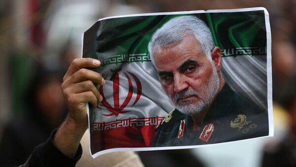 Una imagen del general iraní asesinado Qasem Soleimani - Sputnik Mundo
