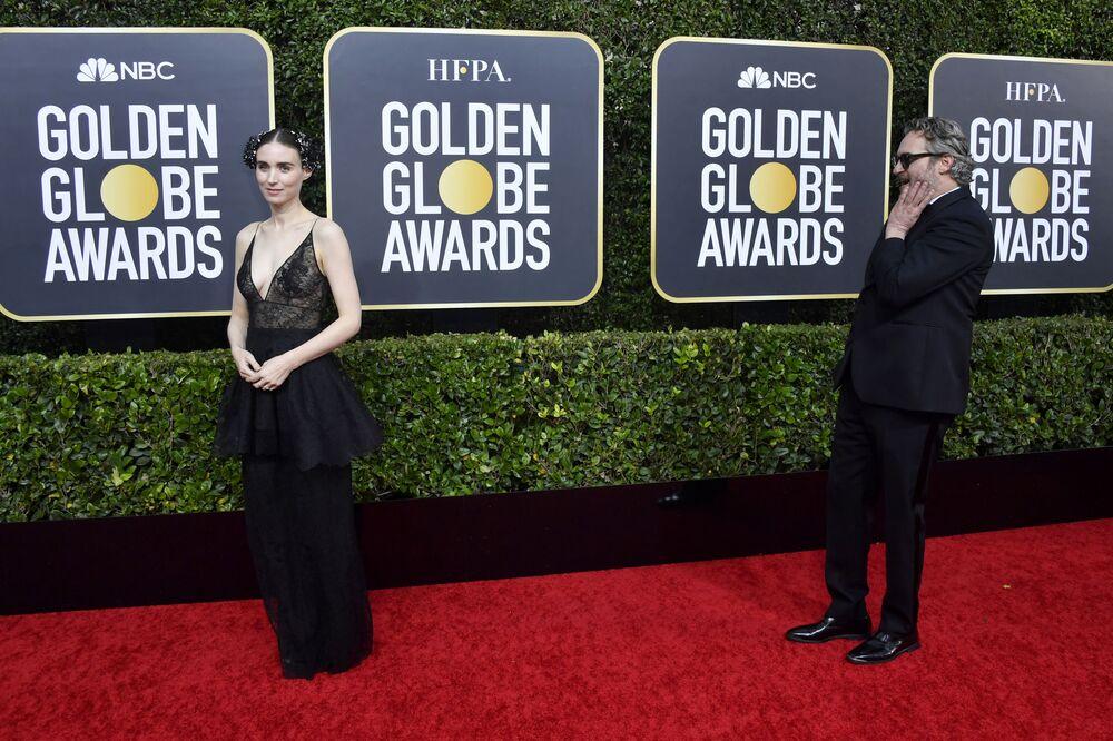 Celebridades del mundo se lucen en la alfombra roja de los Globos de Oro
