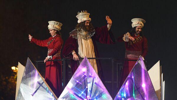 Una cabalgata de los Reyes Magos en Madrid - Sputnik Mundo