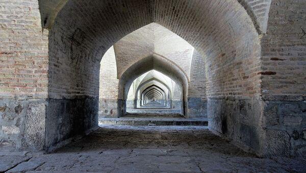 Puente Si-O-Seh Pol en Isfahán, en la República Islámica de Irán - Sputnik Mundo
