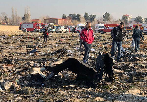 El lugar donde se estrelló el avión ucraniano en Irán - Sputnik Mundo