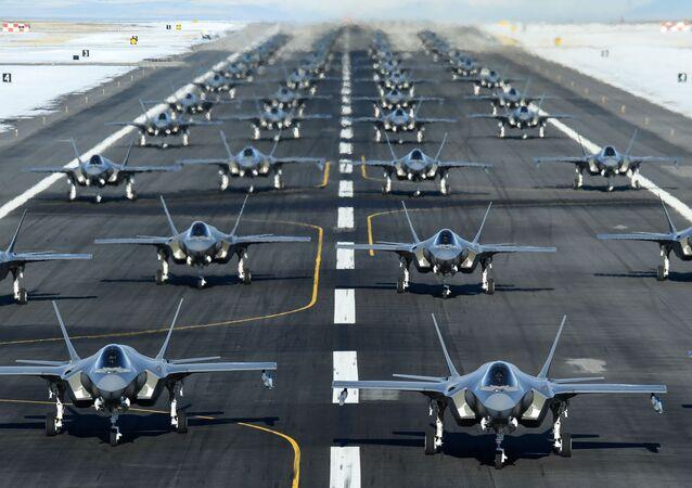 Una 'caminata de elefantes': el despegue masivo de unos 52 F-35