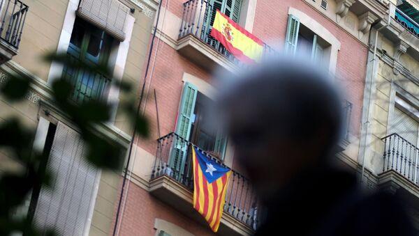 Bandera de España y Cataluña - Sputnik Mundo