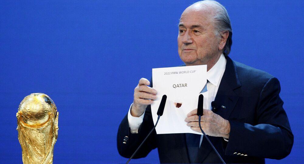 En esta foto de 2010, el entonces presidente de la FIFA, Joseph Blatter, anuncia la elección de Catar compo sede del Mundial de 2022