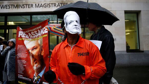Manifestación de los partidarios de Assange en Londres - Sputnik Mundo