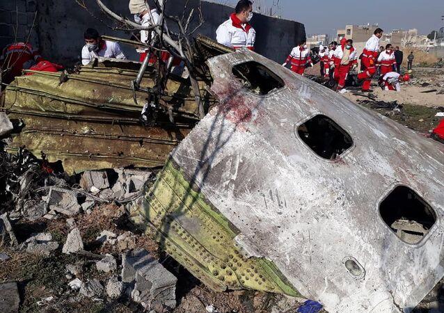 El Boeing 737 de la aerolínea Ukraine International Airlines siniestrado cerca del aeropuerto de Teherán