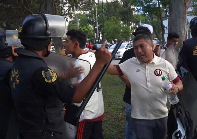 La posible liquidación del Club Universitario genera violentas protestas en Perú