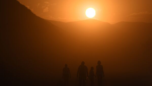 Un amanecer (imagen referencial) - Sputnik Mundo