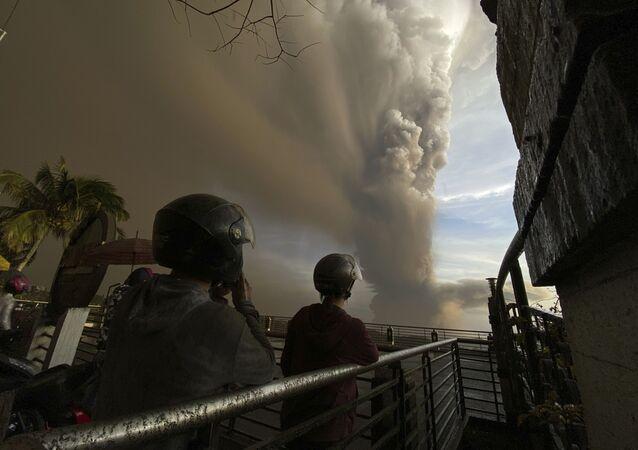 La erupción del volcán Taal