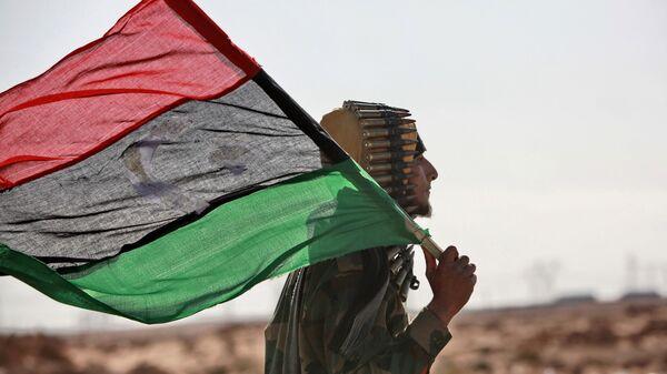 La bandera de Libia - Sputnik Mundo