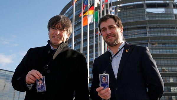 El expresidente de Cataluña Carles Puigdemont con el exconsejero catalán Toni Comín - Sputnik Mundo
