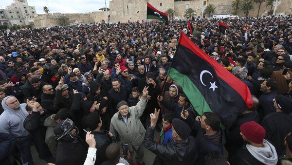 El funeral de cadetes en Trípoli tras choques violentos en Libia - Sputnik Mundo