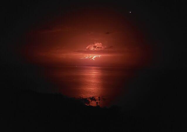 Erupción de volcán La Cumbre