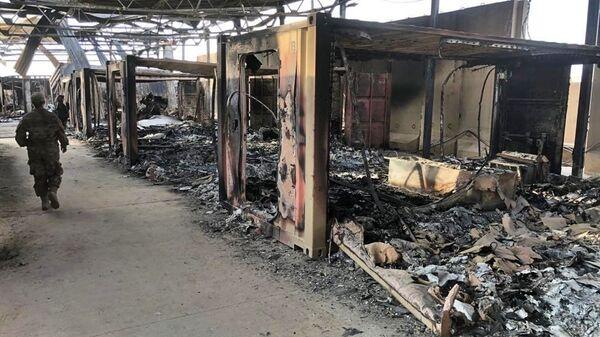 Последствия обстрела военной базы США Эйн-аль-Асад  в Ираке  - Sputnik Mundo