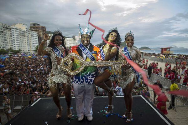 Empieza la temporada de carnavales en Río de Janeiro - Sputnik Mundo