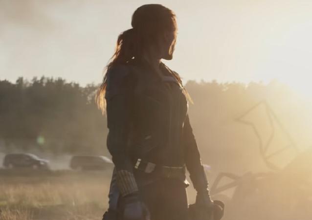 Scarlett Johansson en 'Black Widow' (captura de pantalla)