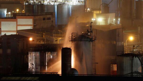 Explosión en la planta petroquímica en Tarragona - Sputnik Mundo
