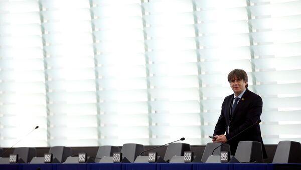 Carles Puigdemont, expresidente del Gobierno catalán y actual eurodiputado - Sputnik Mundo