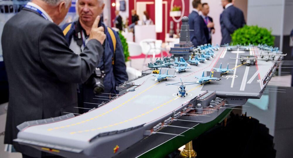 Maqueta del nuevo portaviones ruso