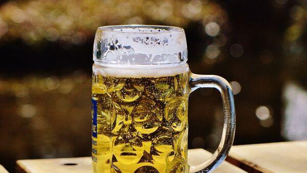Una cerveza - Sputnik Mundo