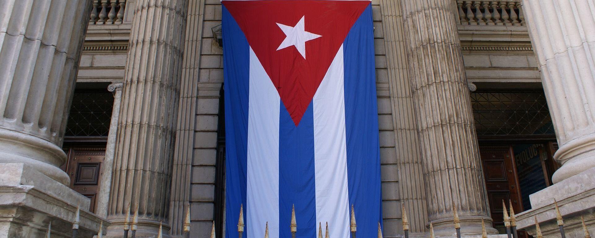Bandera de Cuba en edificio del Ministerio de Finanzas y Precios - Sputnik Mundo, 1920, 28.04.2021