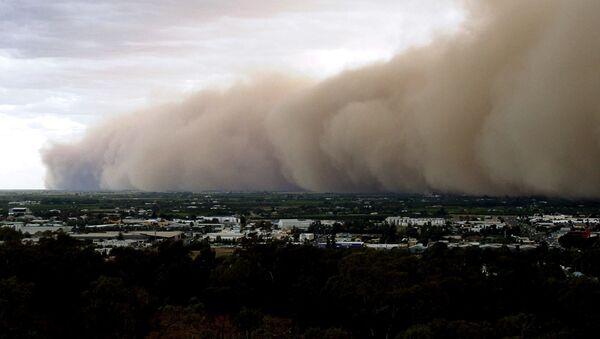 Tormenta de polvo en Australia, foto de archivo - Sputnik Mundo