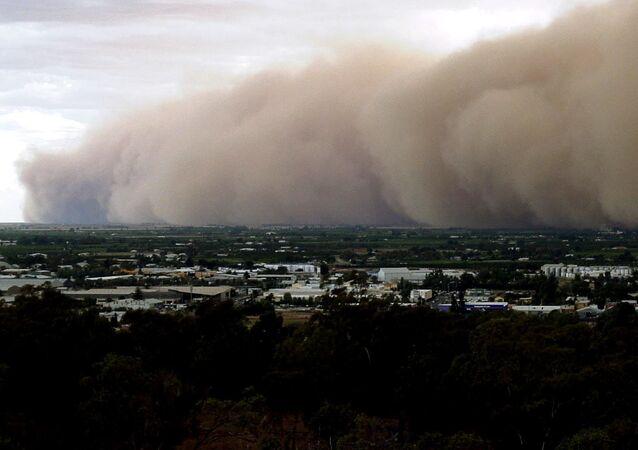 Tormenta de polvo en Australia, foto de archivo