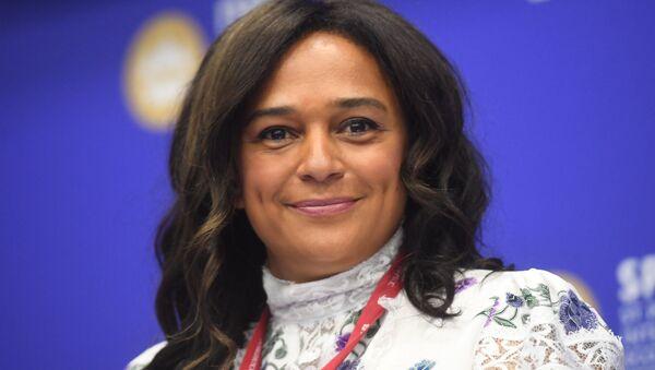 Isabel Jose dos Santos en San Petersburgo - Sputnik Mundo