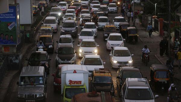 Un atasco en la ciudad de Bombay (India) - Sputnik Mundo