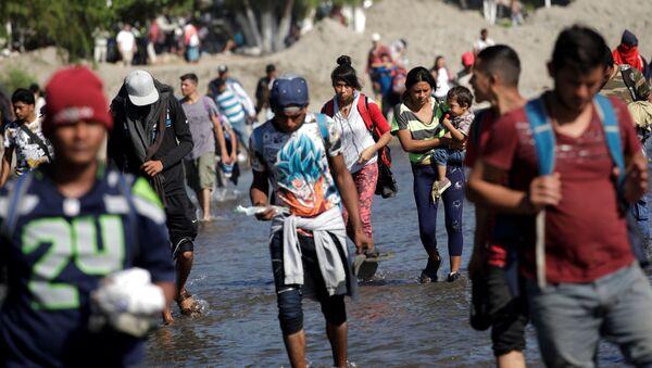 La caravana de migrantes centroamericanos en México (archivo) - Sputnik Mundo