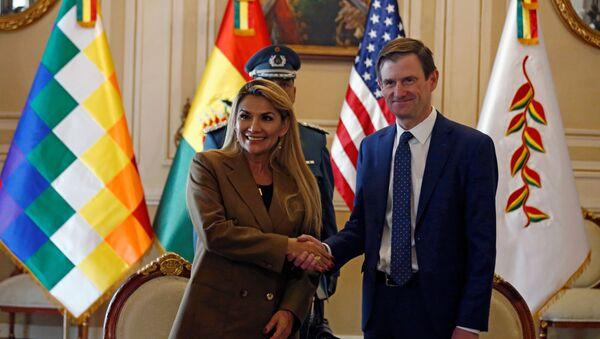 Jeanine Áñez, presidenta de facto de Bolivia, y David Hale, subsecretario para Asuntos Políticos de la Secretaría de Estado de EEUU - Sputnik Mundo