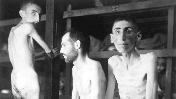 Prisioneros en un campo de concentración nazi - Sputnik Mundo
