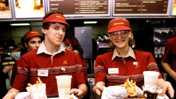El primer McDonald's de Rusia abrió sus puertas hace exactamente 30 años - Sputnik Mundo