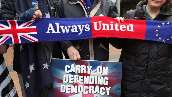 Manifestantes en contra del Brexit en Bruselas - Sputnik Mundo